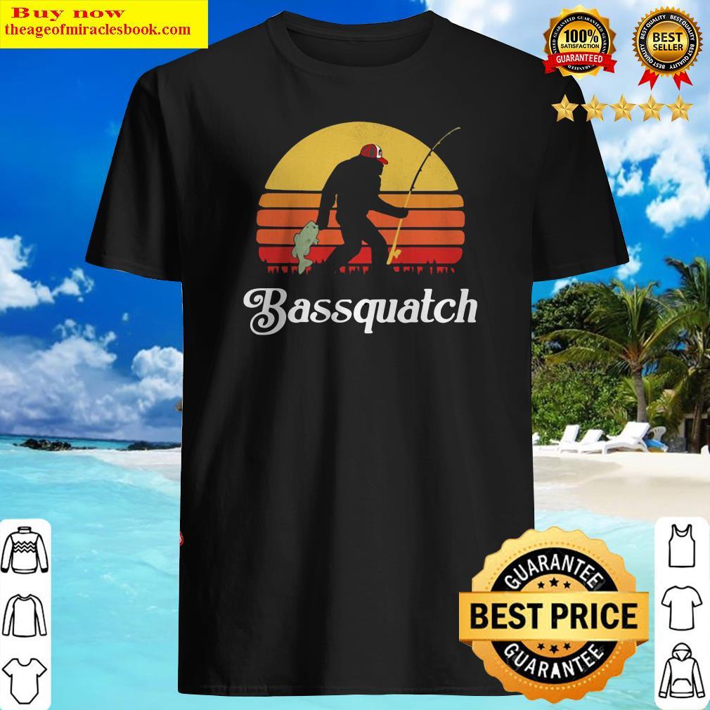 Bigfoot Fishing Bassquatch Sunset Shirt