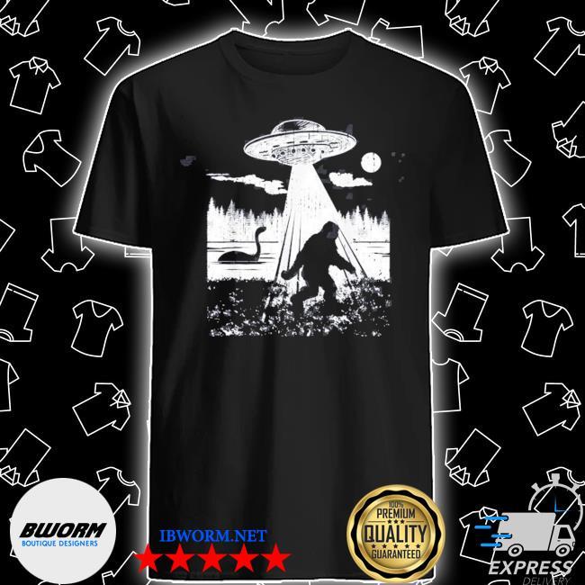 Bigfoot ufo abduction sasquatch aliens cryptozoology shirt